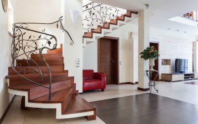 Notranje stopnišče — osrednja točka doma