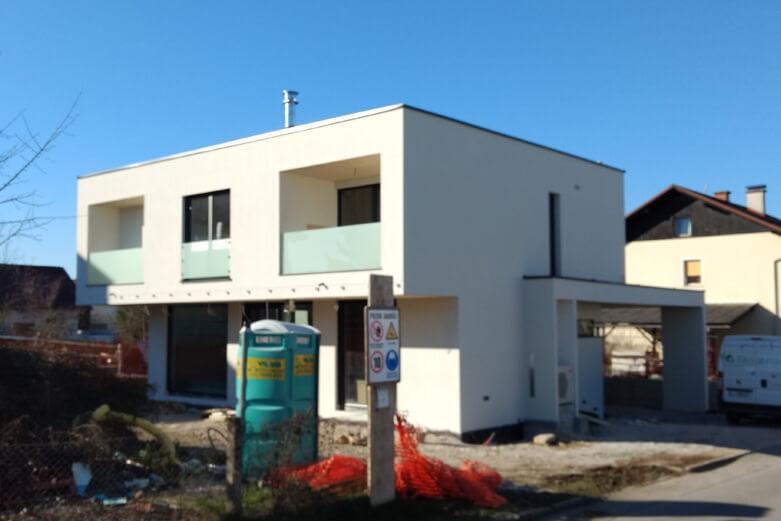 Gradbeni dnevnik 1. del: Zgradila bova svojo hišo …