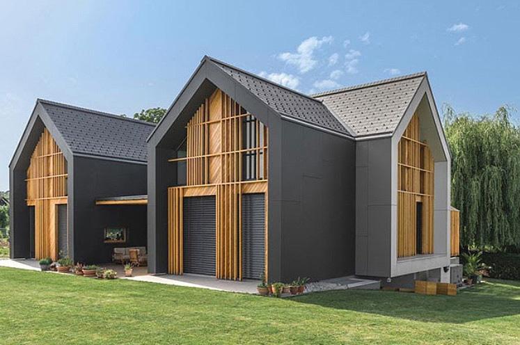 Tudi obnova strehe da hiši moderen videz.