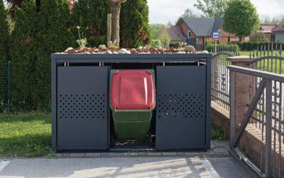 Vas motijo neurejene posode z odpadki?
